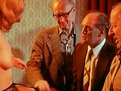 Golden-Haired hotie makes a retro peep show for old dudes