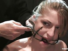 Mouth opened with a special device Tawni Ryden is getting her daily dose of submission using a simple bowl with water and a rope that's keeping her hands and feet tied. She has such pink delicious lips and a slutty face that makes you want to she her humiliated and in the simplest yet efficient ways possible.